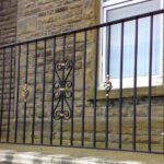 Sectional single gate