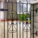 Sectional sliding gate 2